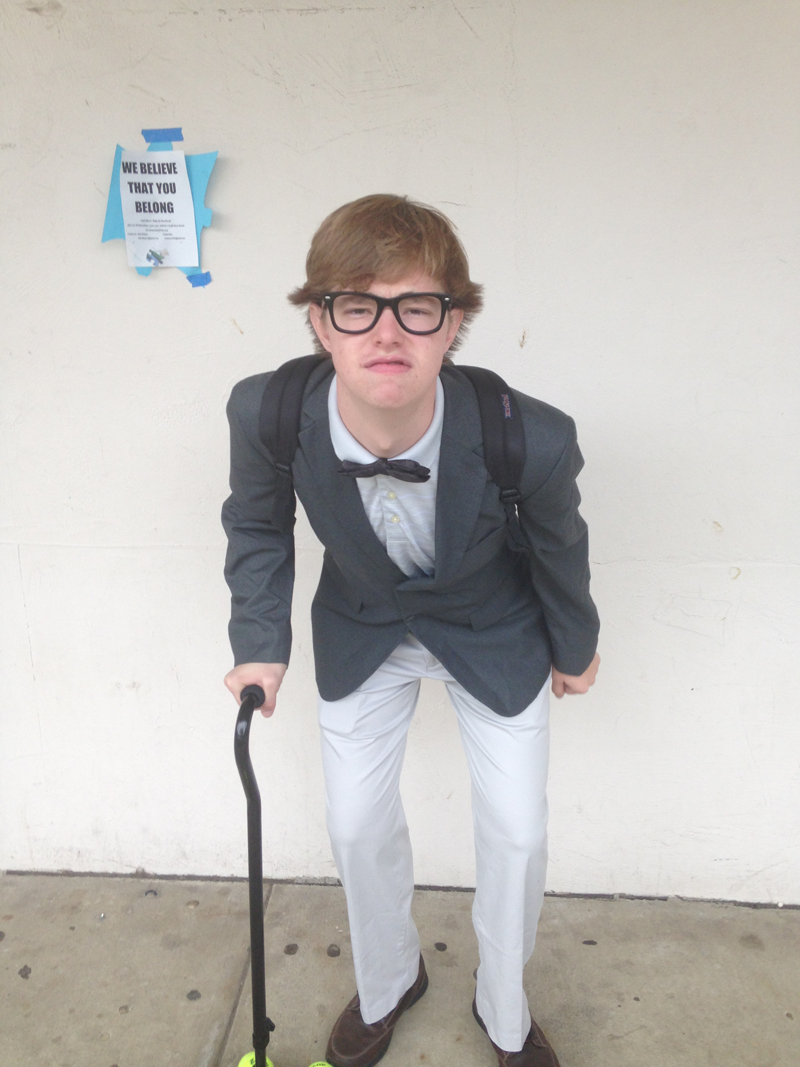 junior Andrew Kenney as Carl Fredricksen DONE