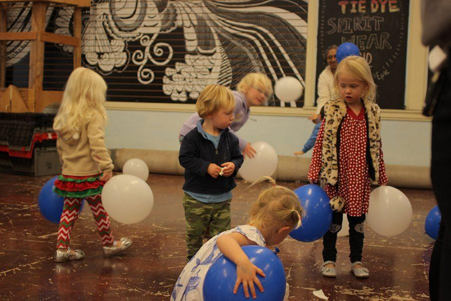 Child Development Class Throws Holiday Party for Staff and Children