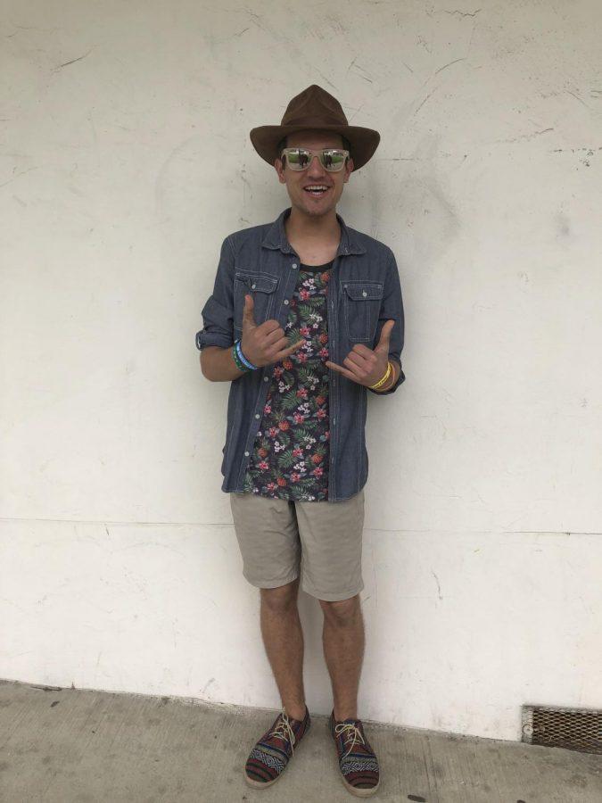 Senior+Isaac+Rosenbaum+celebrates+the+Coachella+vibes+at+SDA.